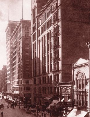The Oregonian Building no longer stands, but smaller annex on the south side (right) remains.